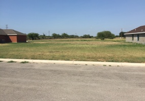 4 Victoria Place, Uvalde, 78801, ,Land,For sale,Victoria Place,1014